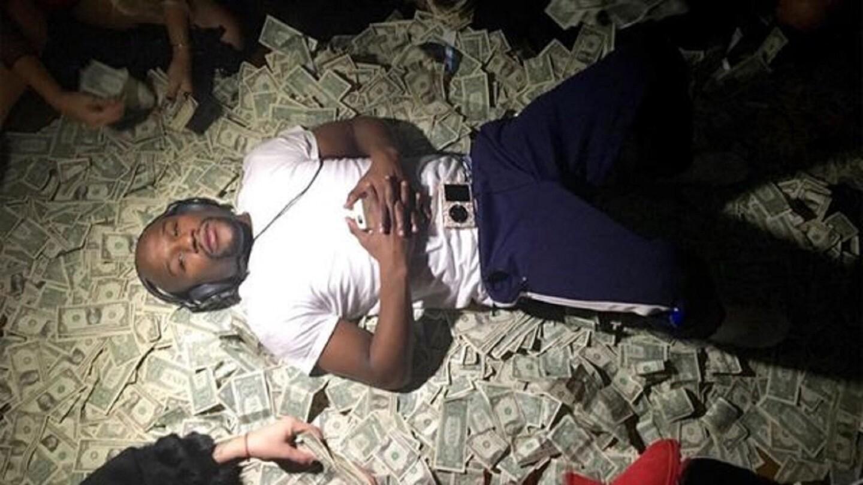 1) Floyd Mayweather / Estados Unidos / Boxeo / 285 millones de dólares.
