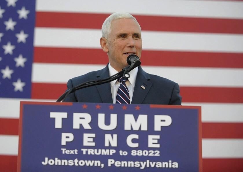 El candidato vicepresidencial republicano Mike Pence habla en un acto en Johnstown, Pennsylvania. (John Rucosky/The Tribune-Democrat via AP)