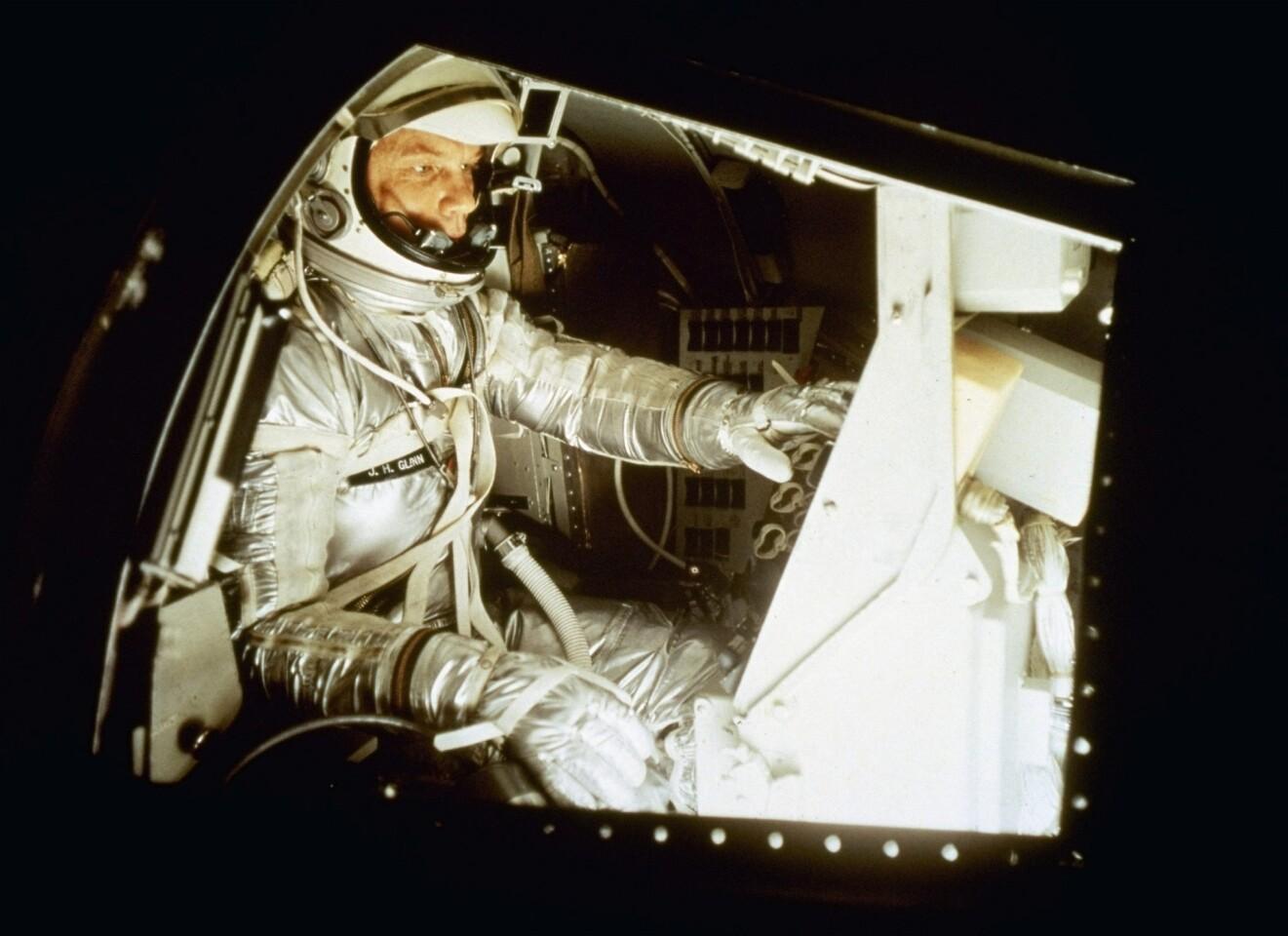 John Glenn dies at 95; hero was first American to orbit Earth - Los Angeles  Times