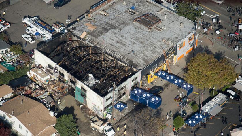 'La gente quiere respuestas': lanzan investigación para saber qué provocó el incendio en Oakland
