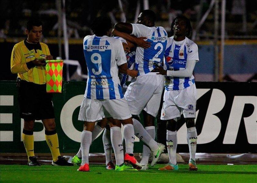 El Deportivo Quito recuperará, tras una suspensión, al goleador del torneo, el argentino Federico Nieto, con 13 tantos, y Barcelona estará liderado por los argentinos Damián Díaz y Ariel Nahuelpan. EFE/Archivo