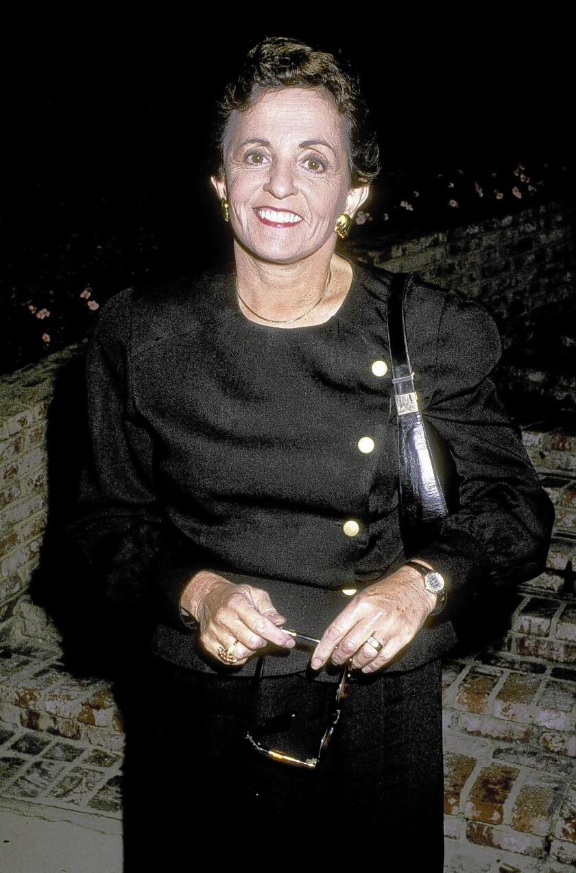 Hollywood columnist Marilyn Beck