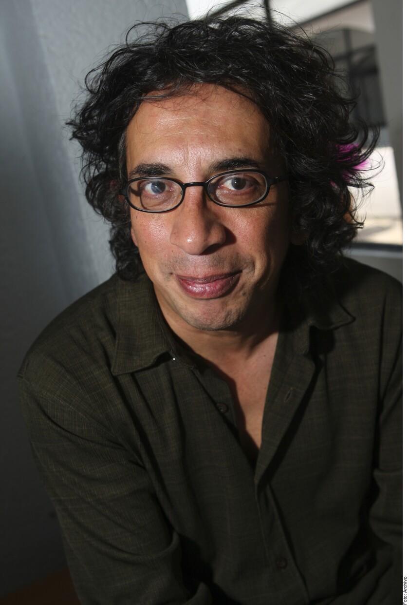 La noche del viernes, el pionero geek y responsable de los guiones de los inicios televisivos de Eugenio Derbez, falleció en un hospital por complicaciones con medicamentos, según su hijo Gustavo Javier Rodríguez (foto).
