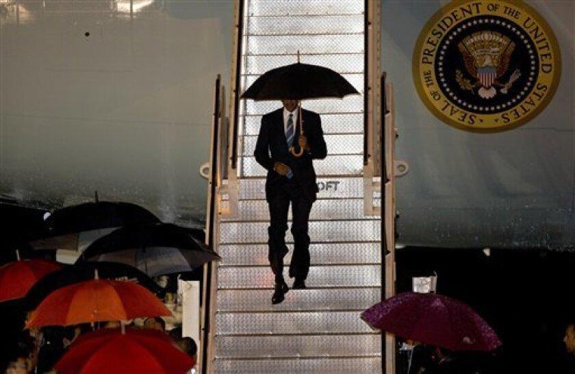 El presidente Barack Obama canceló la reunión que tenía programada para el martes con el nuevo mandatario filipino Rodrigo Duterte, en un intento de distanciarse del gobernante de un país aliado de Washington durante una gira diplomática en la que ha tenido que estar muy cerca de controvertidas figuras mundiales.