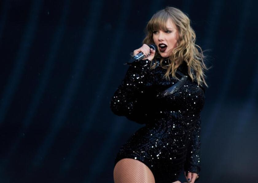 US singer Taylor Swift performs during her concert at Wembley Stadium in London, Britain, 22 June 2018, as part of her Reputation Stadium Tour. EFE/EPA/File