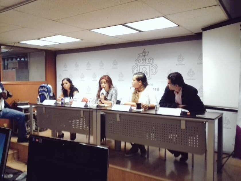 El Instituto Municipal de las Mujeres y la asociación FM4 firmaron hoy un convenio de colaboración para apoyar a las migrantes que están de tránsito por Guadalajara.