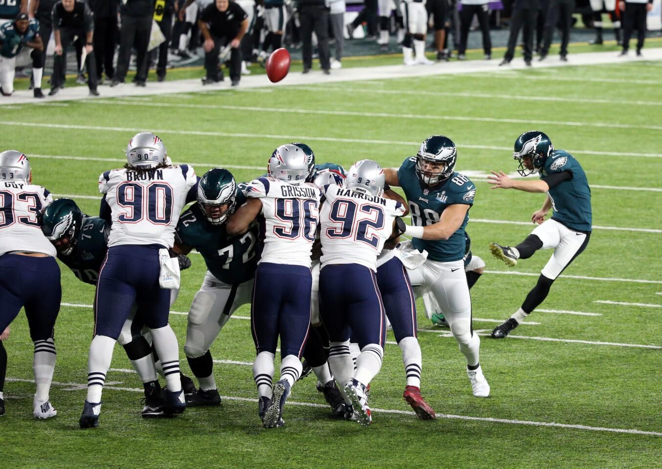 Feb 4, 2018; Minneapolis, MN, USA; Philadelphia Eagles kicker Jake Elliott (4) makes a field goal against the New England Patriots during the first quarter in Super Bowl LII at U.S. Bank Stadium.