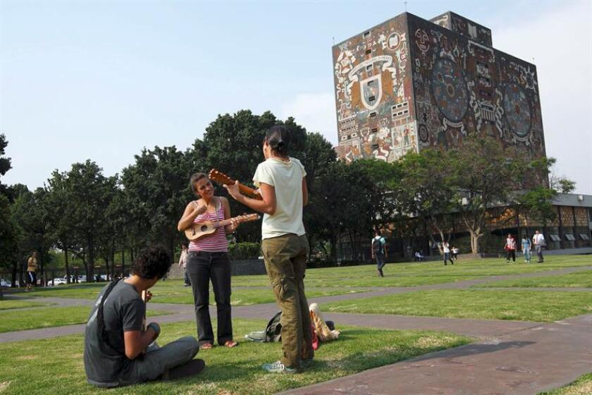 Imagen tomada del exterior del edificio de la Universidad Nacional Autónoma de México (UNAM). EFE/Archivo