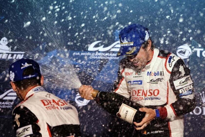 Fotografia facilitada por Toyota Gazoo Racing.- El español Fernando Alonso, doble campeón mundial de Fórmula Uno, que reforzó su liderato en el Mundial de Resistencia (WEC) al ganar este viernes, con Toyota, las 1.000 Millas de Sebring. EFE/James Moy/Toyota Gazoo Racing