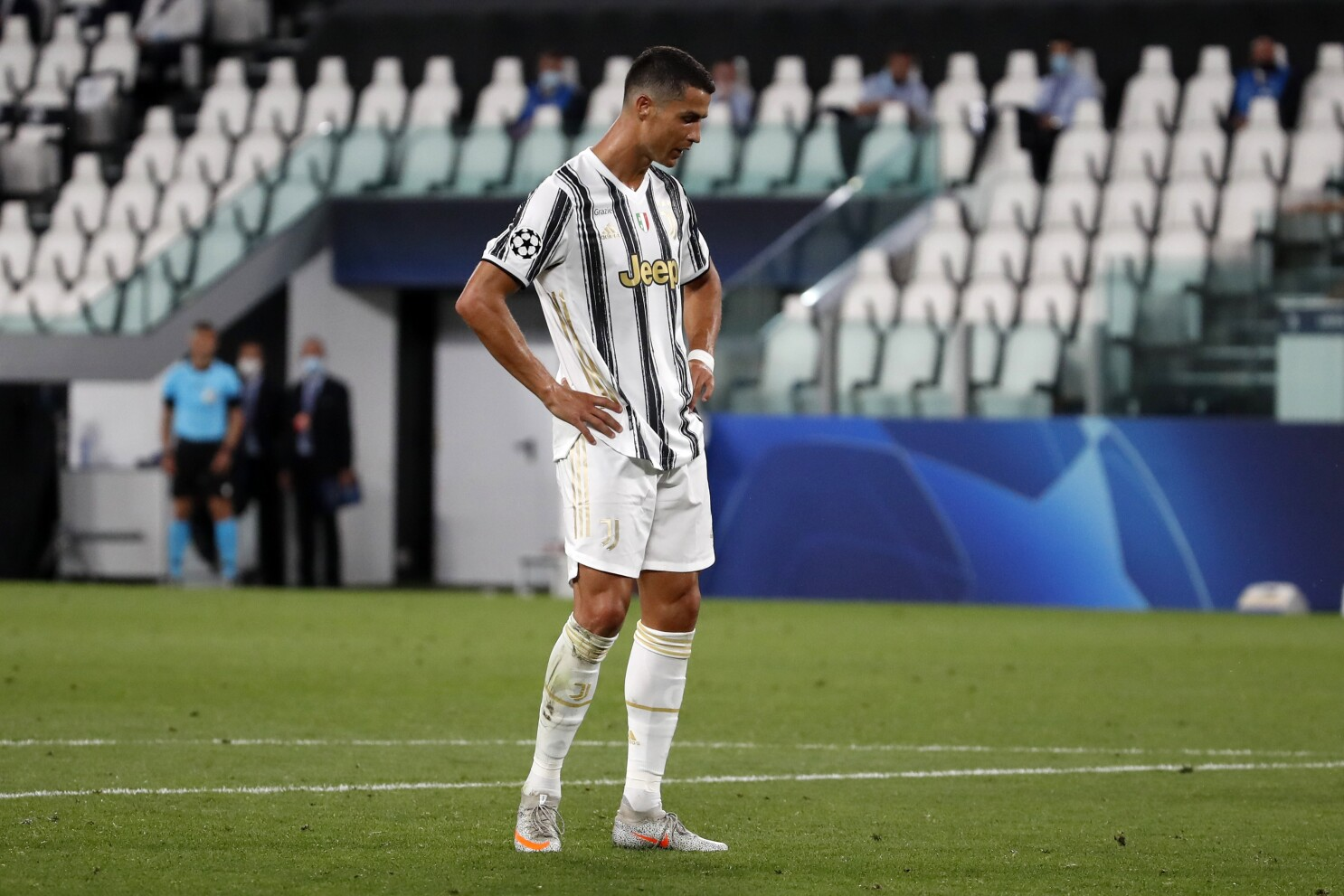 Ronaldo Nets 2 But Juventus Knocked Out Of Champs Lg By Lyon The San Diego Union Tribune