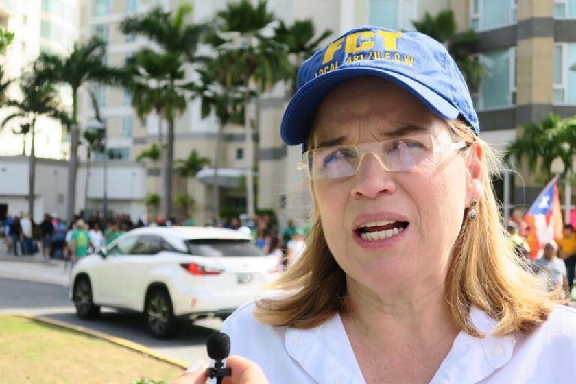 La alcaldesa de San Juan, Carmen Yulín Cruz, habla con los medios de comunicación. EFE/Archivo