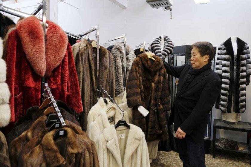 APphoto_Fur Ban San Francisco.JPG