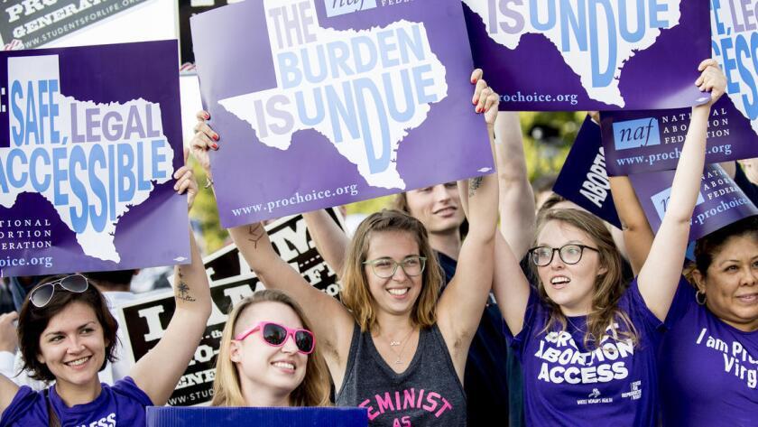 La decisión del alto tribunal supone una victoria para el presidente Barack Obama, que había apoyado en la corte a las asociaciones demandantes, entre las que se incluye el grupo Whole Woman's Health, dedicado a proveer cuidados reproductivos a las mujeres.