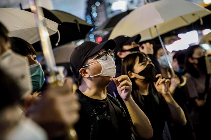 Protest outside the the Mong Kok police station