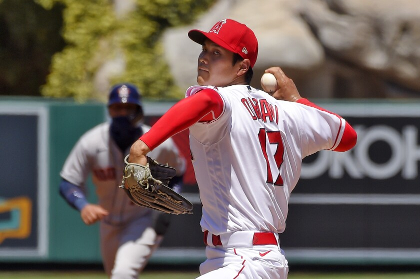 Angels pitcher Shohei Ohtani throws.