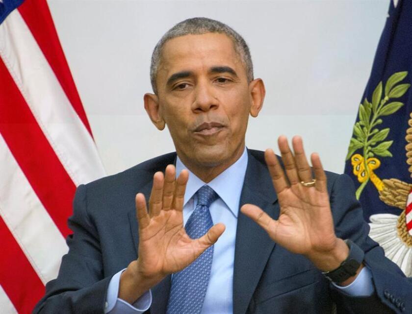 """El presidente, Barack Obama, se comprometió hoy a apoyar un plan sanitario diseñado por su sucesor, Donald Trump, y los republicanos del Congreso si mejora la atención sanitaria que están recibiendo actualmente los estadounidenses bajo su ley sanitaria, conocida como """"Obamacare"""". EFE/ARCHIVO"""