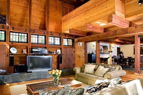 Home of former pro football player Mike Croel