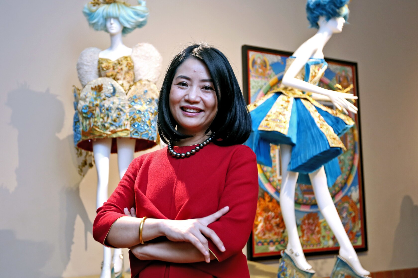 Guo Pei S Couture Designs Are Inspired By The Extravaganza Of Chinese Royal History Los Angeles Times