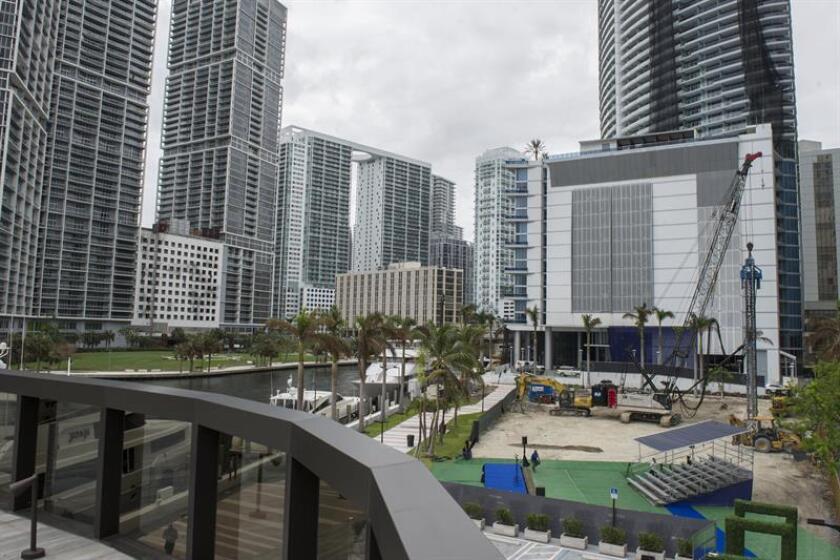 """La economía de Florida está """"fuerte"""" y puede llegar a alcanzar este año la marca del billón (millón de millones) de dólares, la misma cifra del producto nacional bruto de Arabia Saudí en 2017, anunció hoy la Cámara de Comercio (FCC) del estado. EFE/ARCHIVO"""