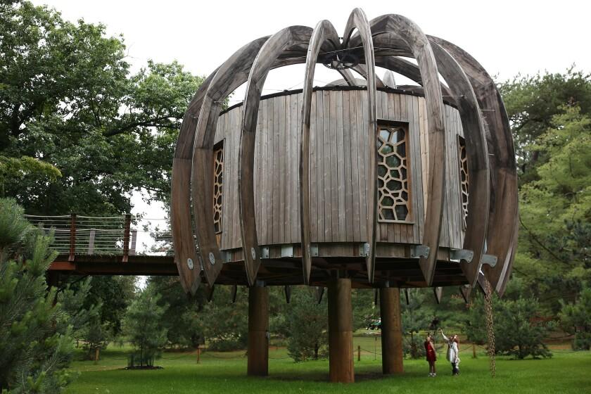 The Royal Botanic Gardens At Kew Celebrate Summer
