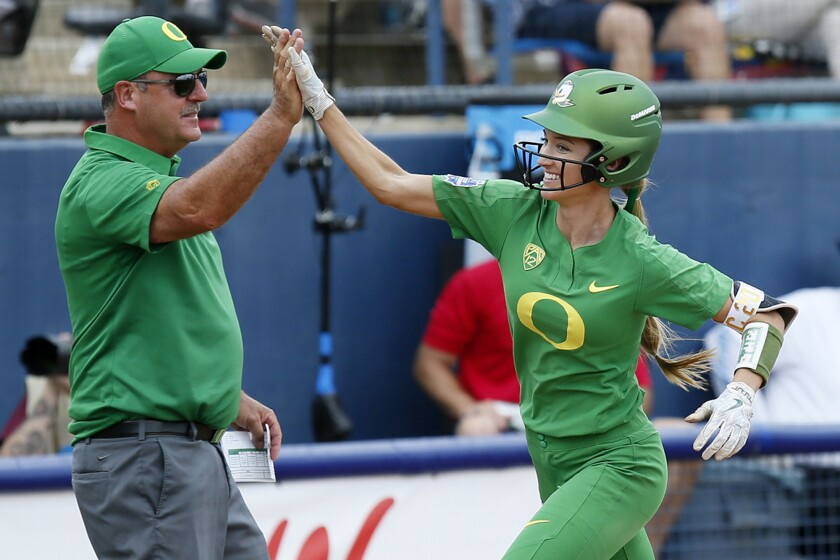 APphoto_NCAA Oregon Arizona St Softball