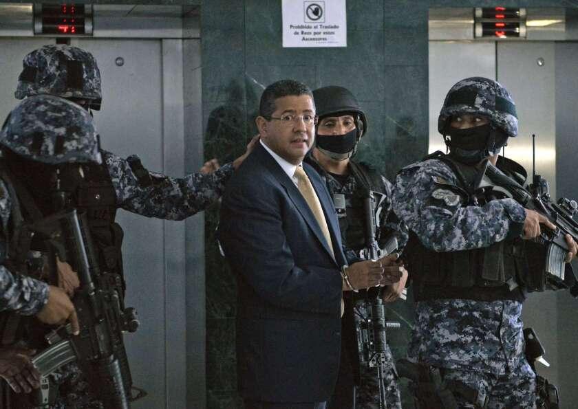 al expresidente salvadoreño Francisco Flores, acusado por los delitos de peculado y enriquecimiento.