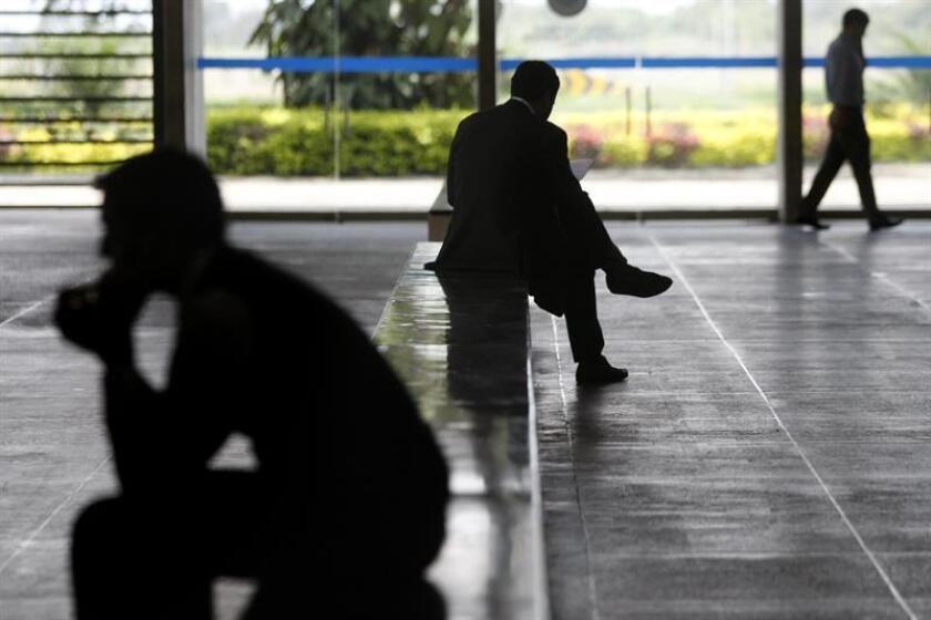 Acabar con los tabúes y el estigma respecto al suicidio es fundamental para prevenir esta problemática que puede afectar a cualquier persona sin importar su condición económica, género, raza o social, dijo hoy a Efe Gabriela Cámara, presidenta de la Asociación Voz Pro Salud Mental. EFE/Archivo