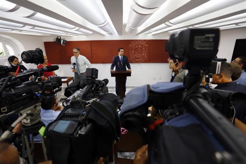 Algunos de los principales gremios de periodistas en Puerto Rico solicitaron reunirse con el gobernador de la isla, Ricardo Rosselló, para intercambiar ideas sobre su propuesta de crear mayor transparencia y acceso a la información pública. EFE/ARCHIVO