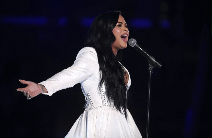 "Demi Lovato cuando cantó ""Anyone""en la ceremonia de los Grammy 2020 en Los Angeles. (Photo by Matt Sayles/Invision/AP)"