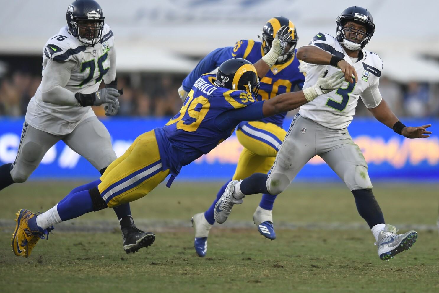 There S A Lot Of Noise Behind Rams Seahawks Division Game Los Angeles Times