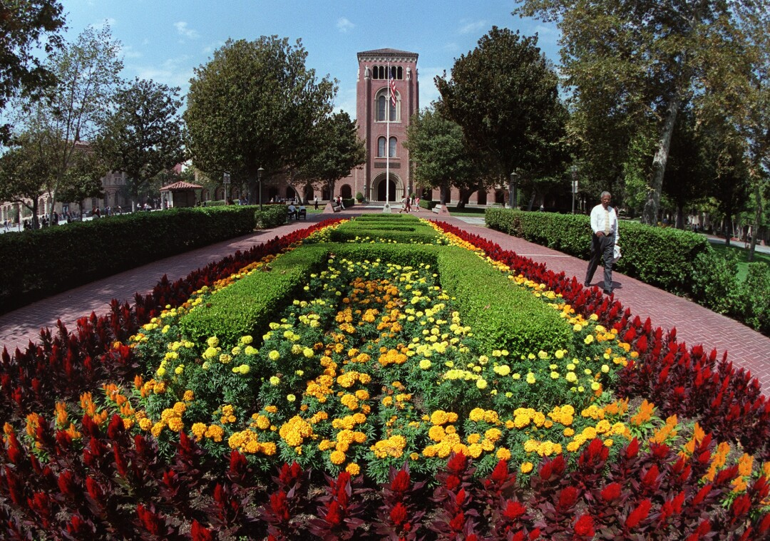 CA.USC.5.0923.PR--Administration Building and flower bed at USC. Photo by Perry C. Riddle/LAT, Photo/Art by:Perry C. Riddle