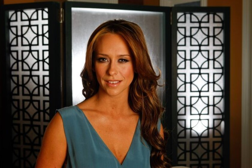 Jennifer Love Hewitt buys Pacific Palisades house