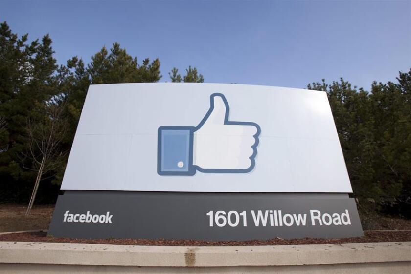 Imagen de archivo de una señal en la sede corporativa de Facebook en Menlo Park, California, Estados Unidos. EFE/Archivo