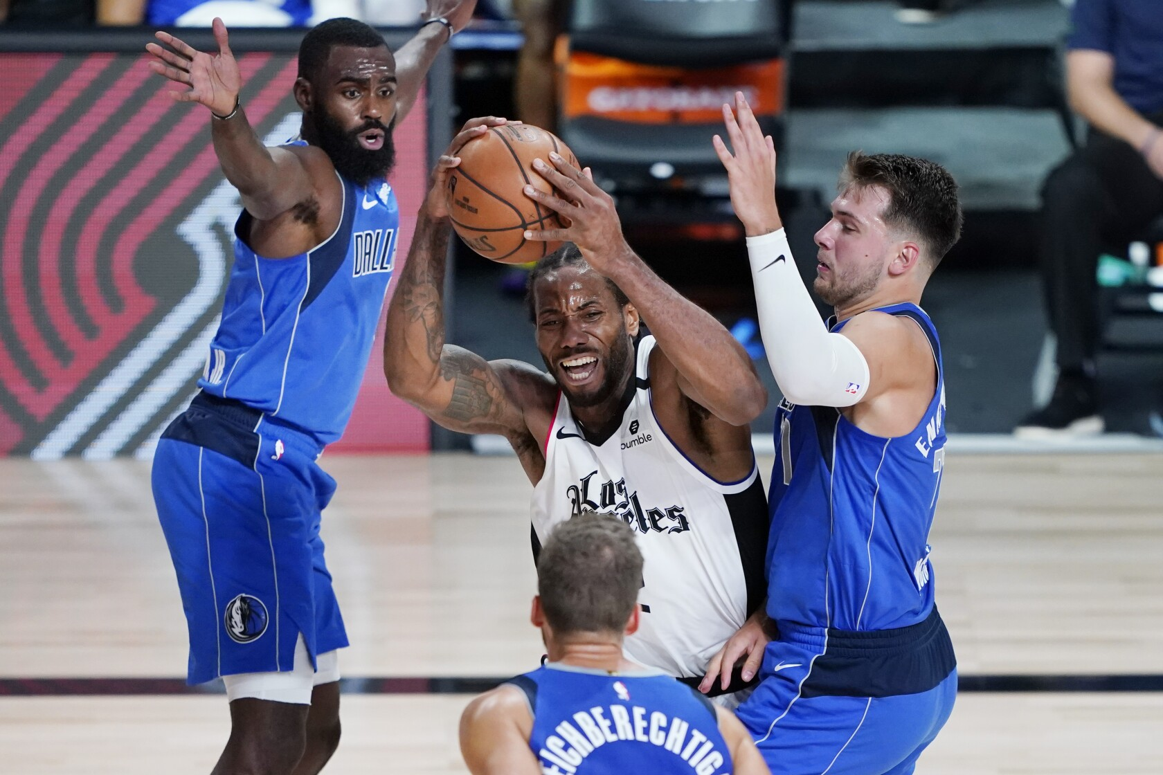Clippers beat Mavericks for Game 3 win and 2-1 series lead - Los ...