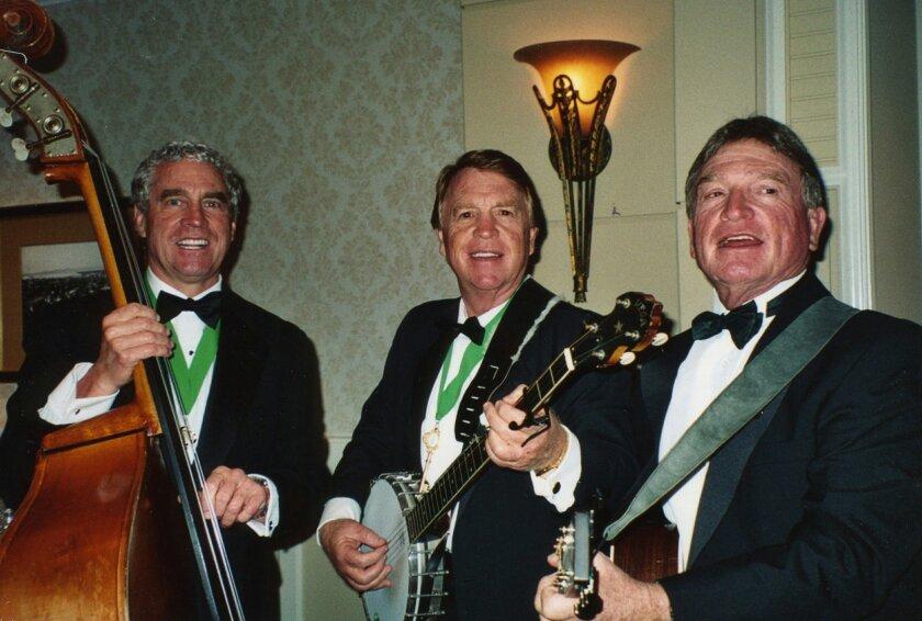 Trio's songs bring smiles to Irish eyes - The San Diego