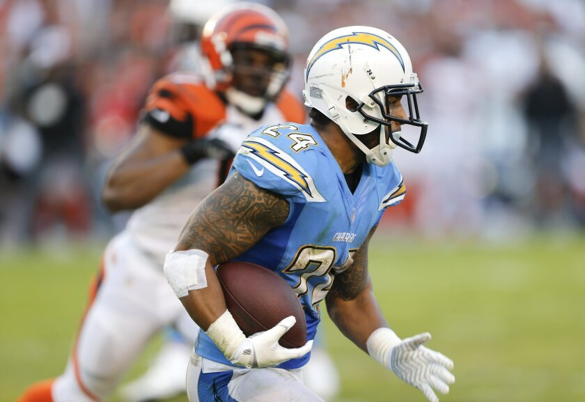 Ryan Mathews runs the ball during the Chargers football game against the Cincinnati Bengals at Qualcomm Stadium Sunday.