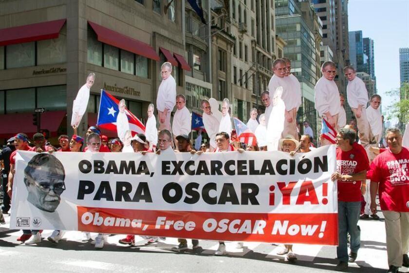 Los puertorriqueños multiplican las peticiones de excarcelamiento para Óscar López Rivera con motivo del 74 cumpleaños hoy del independentista boricua, encarcelado hace 35 años por conspiración sediciosa contra EE.UU. EFE/ARCHIVO