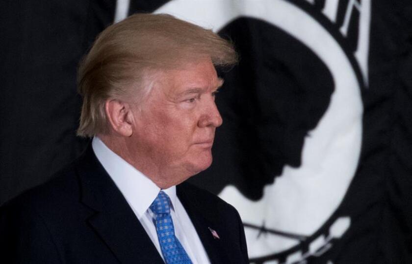 El presidente Donald Trump llegó hace un año a la Casa Blanca con la promesa de lograr un crecimiento anual superior al 3 % aupado por un ambicioso plan que supone la mayor reforma fiscal del país en varias décadas e conlleva un notable recorta los impuestos a las empresas y, en menor medida, muchos estadounidenses. EFE/Archivo