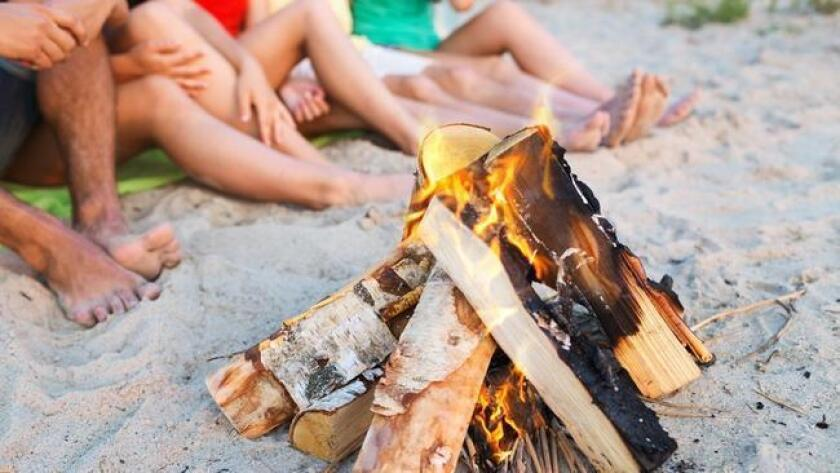 sddsd-have-a-beach-bonfire-on-missio-20160901