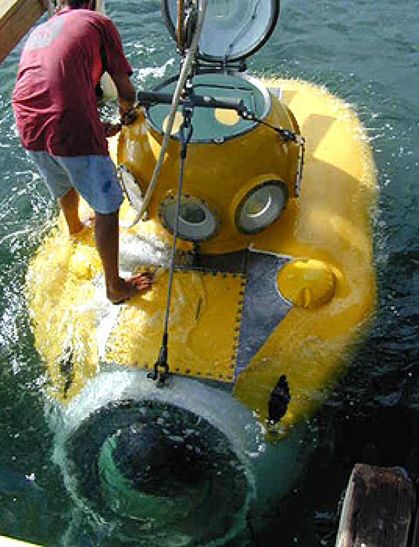 Karl Stanley, who is based in Honduras, designed and built this sub, which takes passengers down to 1,500 feet.