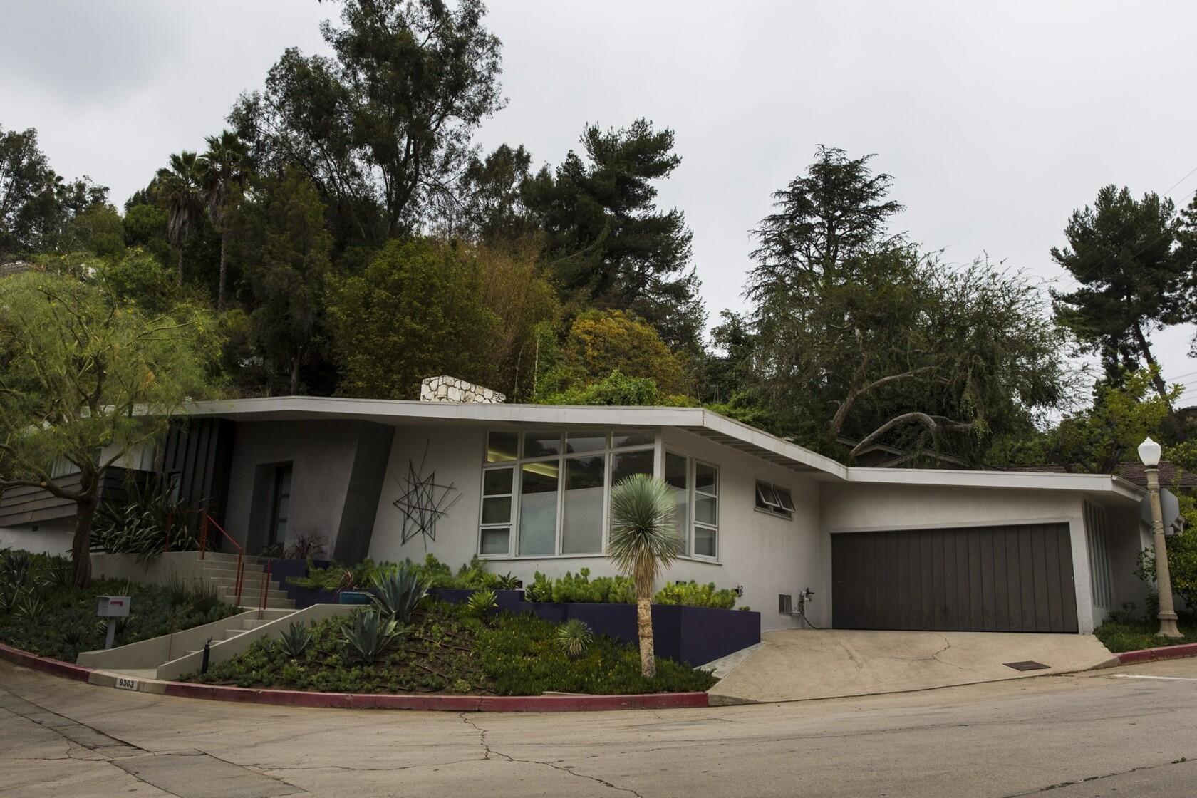 Modern Architecture Los Angeles architect-designer couple modernizes a modern house - los