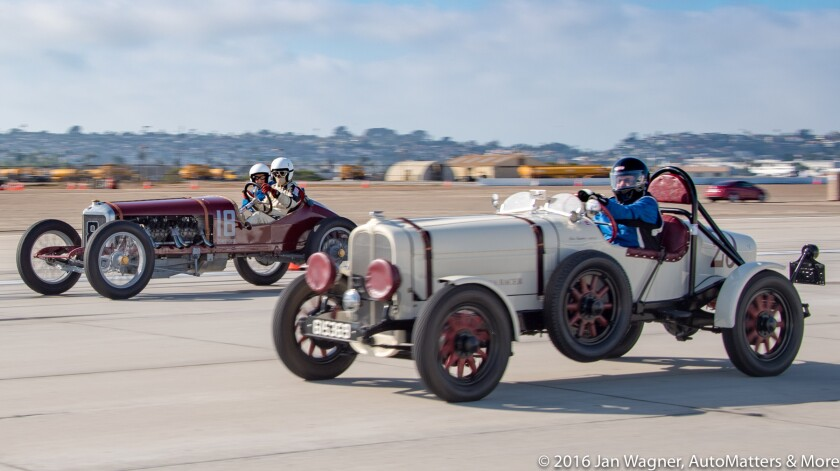 01405-20160917-Coronado Speed Festival-NAS North Island-Race Day 1-wide shots-ridealongs-2of3-D5