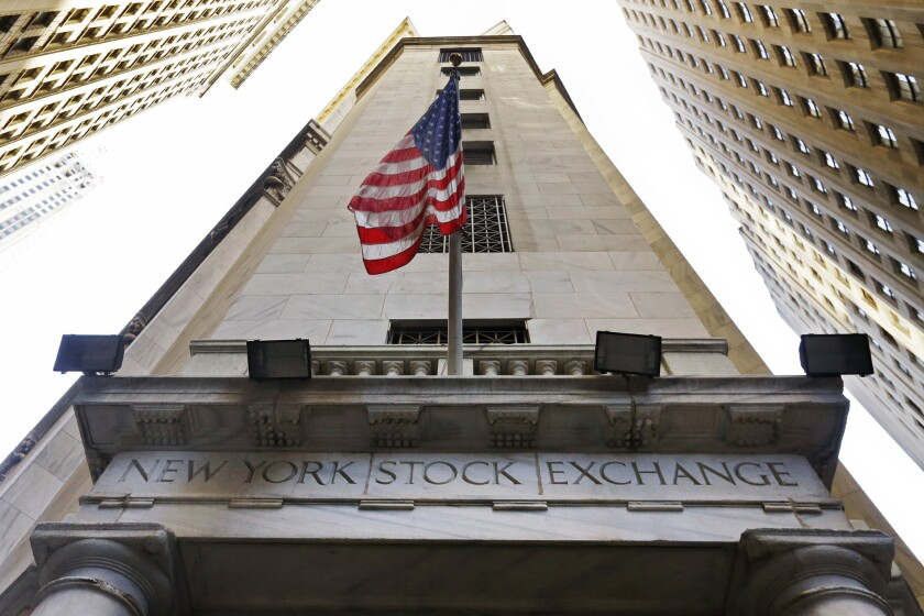U.S. stocks rallied early Thursday before the indexes gave up most of their gains.