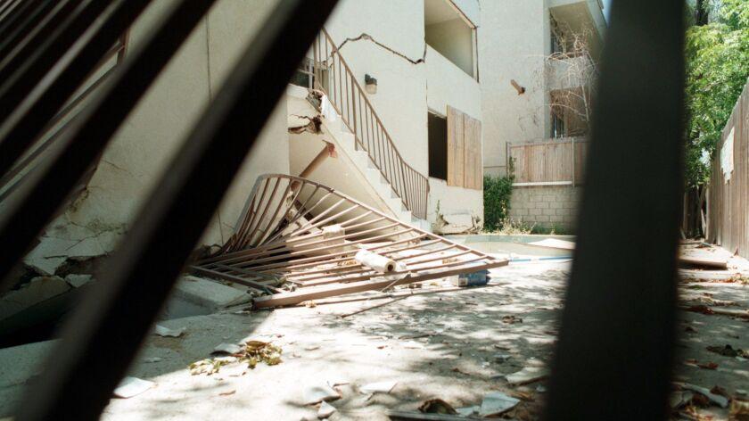 SF.Qk–Damage.#3.0701.FW Sherman Oaks