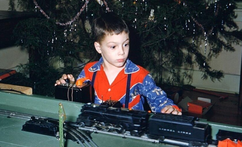 As a boy, Smarr's interest was on practical toys, such as Lionel trains.