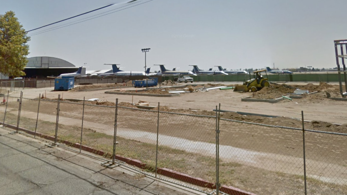 Teen Steals Small Plane And Crashes It Into Fence And Building At Fresno Airport Police Say Los Angeles Times