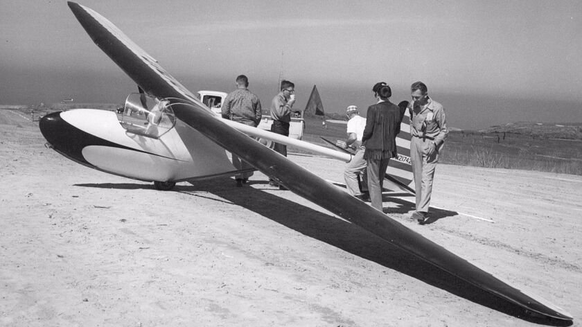 Pilot Art Daeling (far right) prepares his Bowlus Baby Albatros for a soaring flight circa 1959.