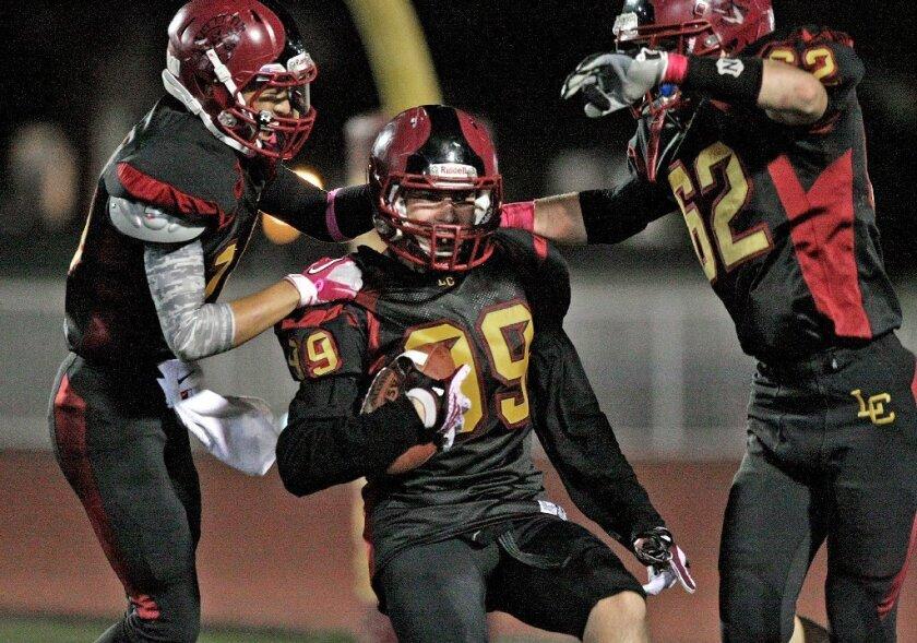 La Cañada High Spartans blows out Blair High, 53-0