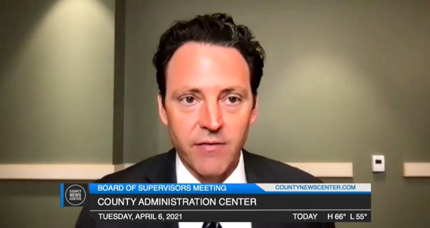 El presidente de la Junta de Supervisores del Condado de San Diego, Nathan Fletcher