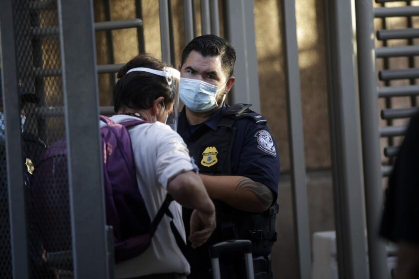 México mantendrá restricción en frontera con EEUU por COVID